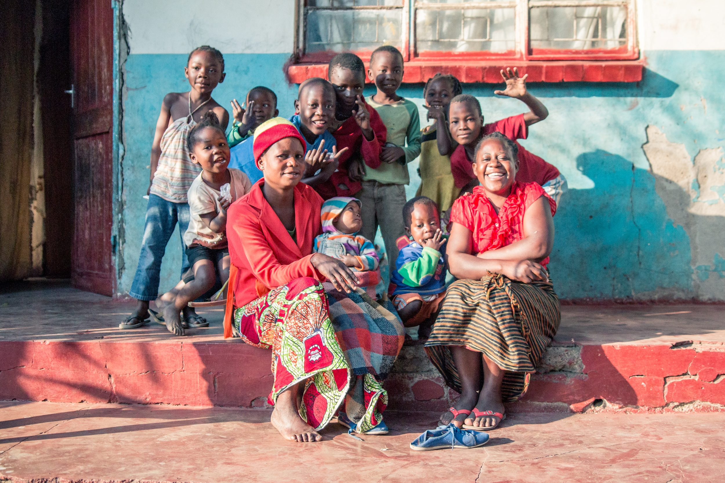 ZAMBIA: [Home Visit]Family in John Laing who asked if we would take a picture of them