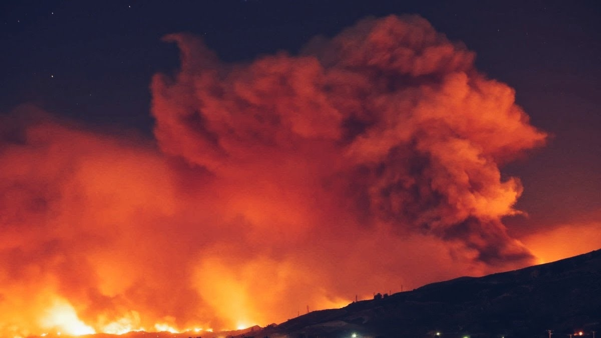 Firefighters have said that the Thomas Fire traveled at a pace of an acre a second, spreading 15 miles in less than one hour at one point.