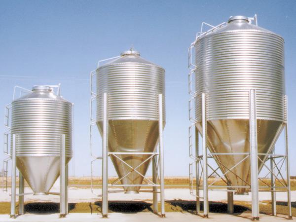 Bulk feed tanks