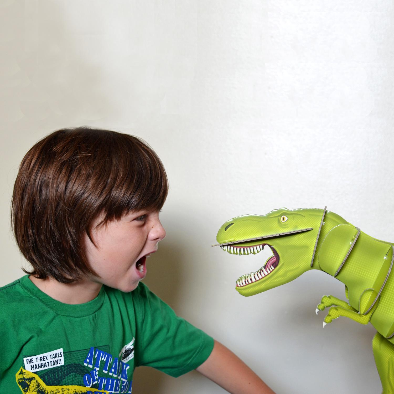 giant dinosaur model kit 02.jpg