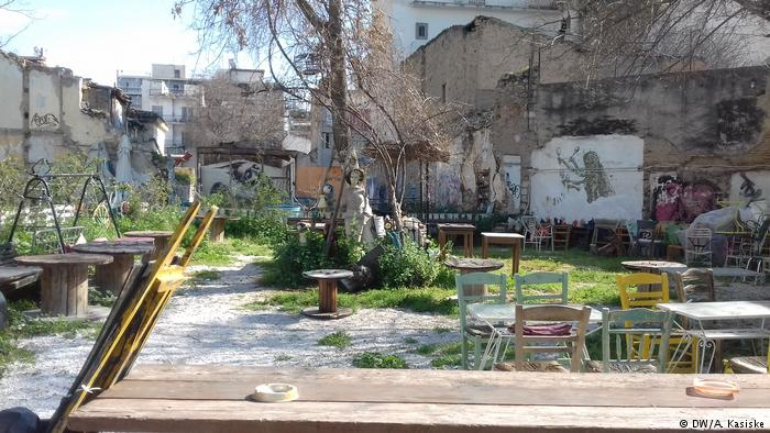 An improvised café in the district of Metaxourgio
