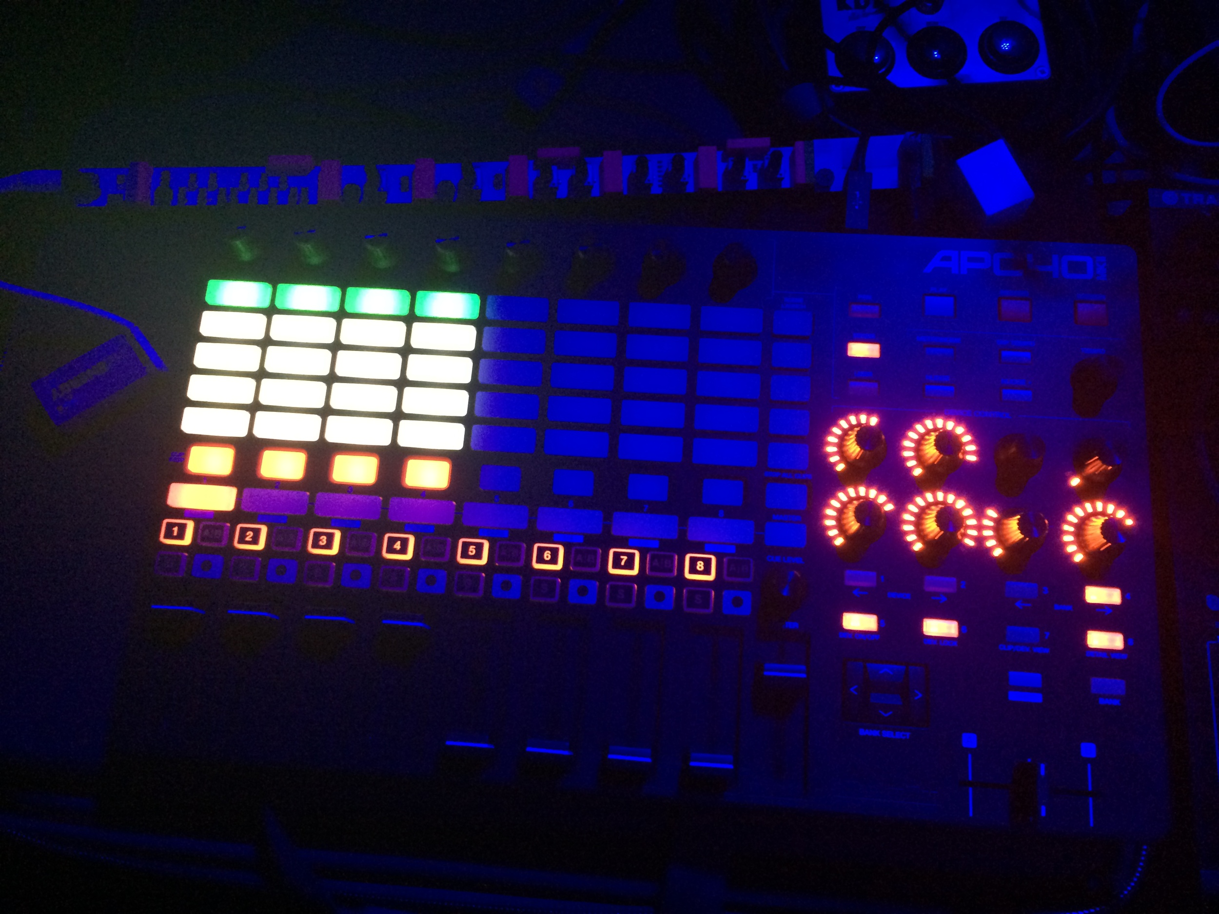 NGHT DRPS' live setup: Akai APC40mk2, Korg & littleBits Synth Kit (NGHT DRPS' Dub Siren Patch), TEILE KD7 Keinedelay
