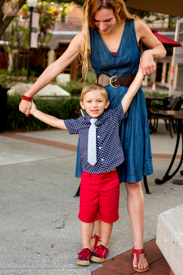 Mommy and me session in Hyde Park Village, Tampa with family photographer Carlie Chew Photography