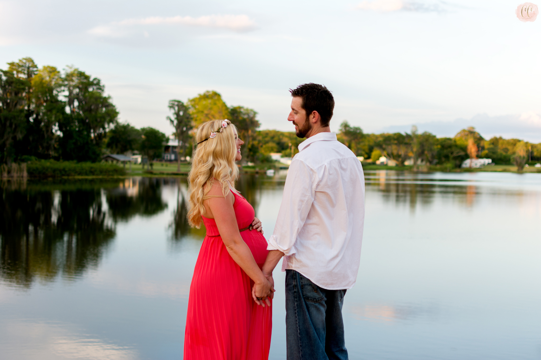 Maternity photos taken at lake in Odessa, Florida by family photographer Carlie Chew Photography