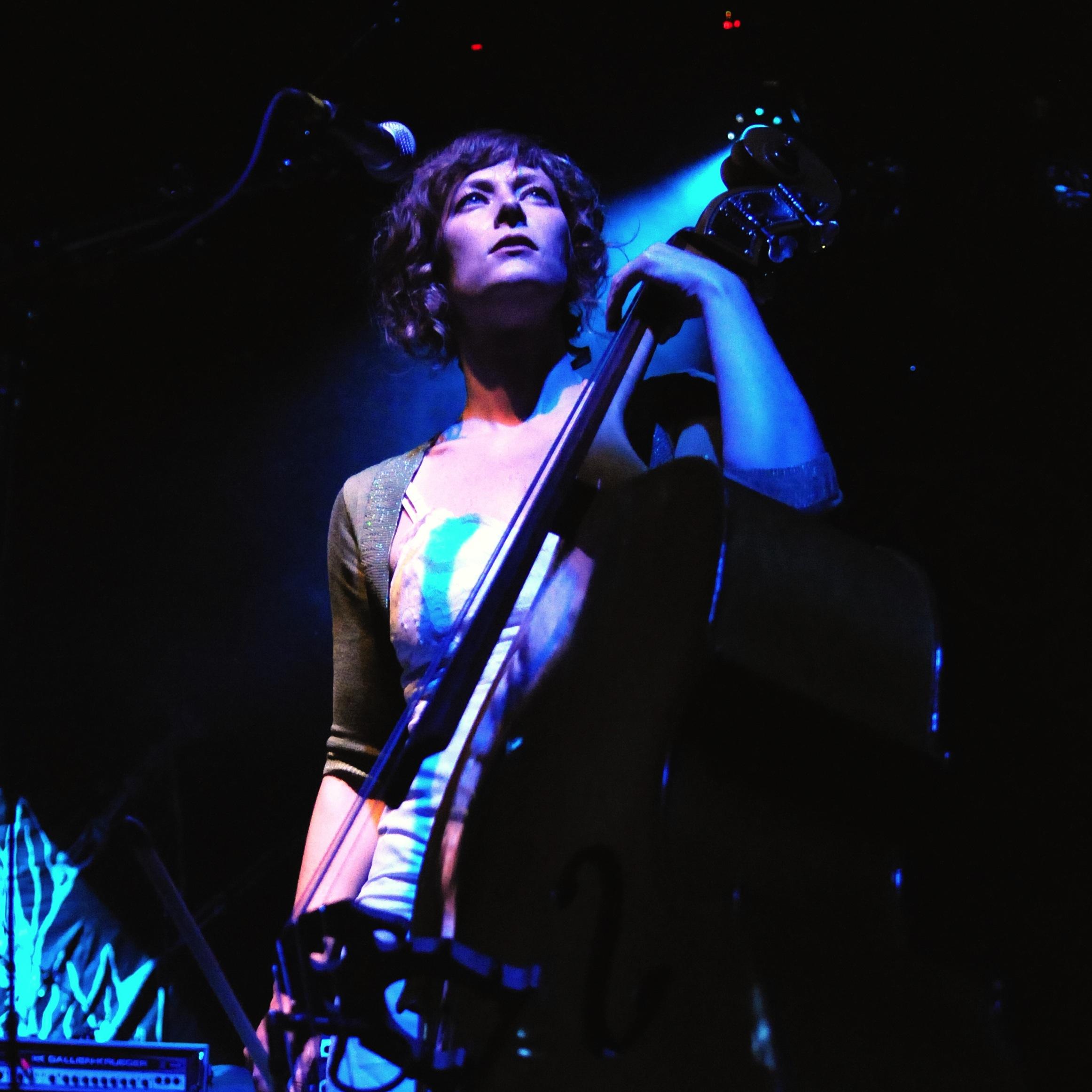 Julie Davis (of Bela Karoli)