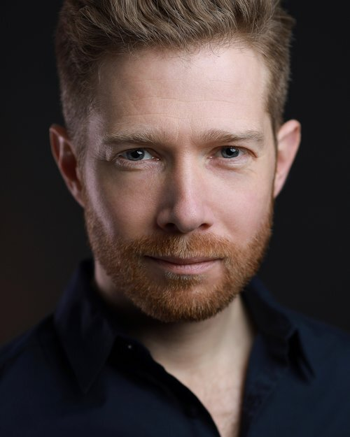 - Zeb Soanes is a familiar voice to millions. He is a newsreader on BBC Radio 4's Today Programme, Six O'Clock News and The News Quiz and puts the nation to bed with The Shipping Forecast. On television he has presented The BBC Proms and he performs with orchestras around the UK.