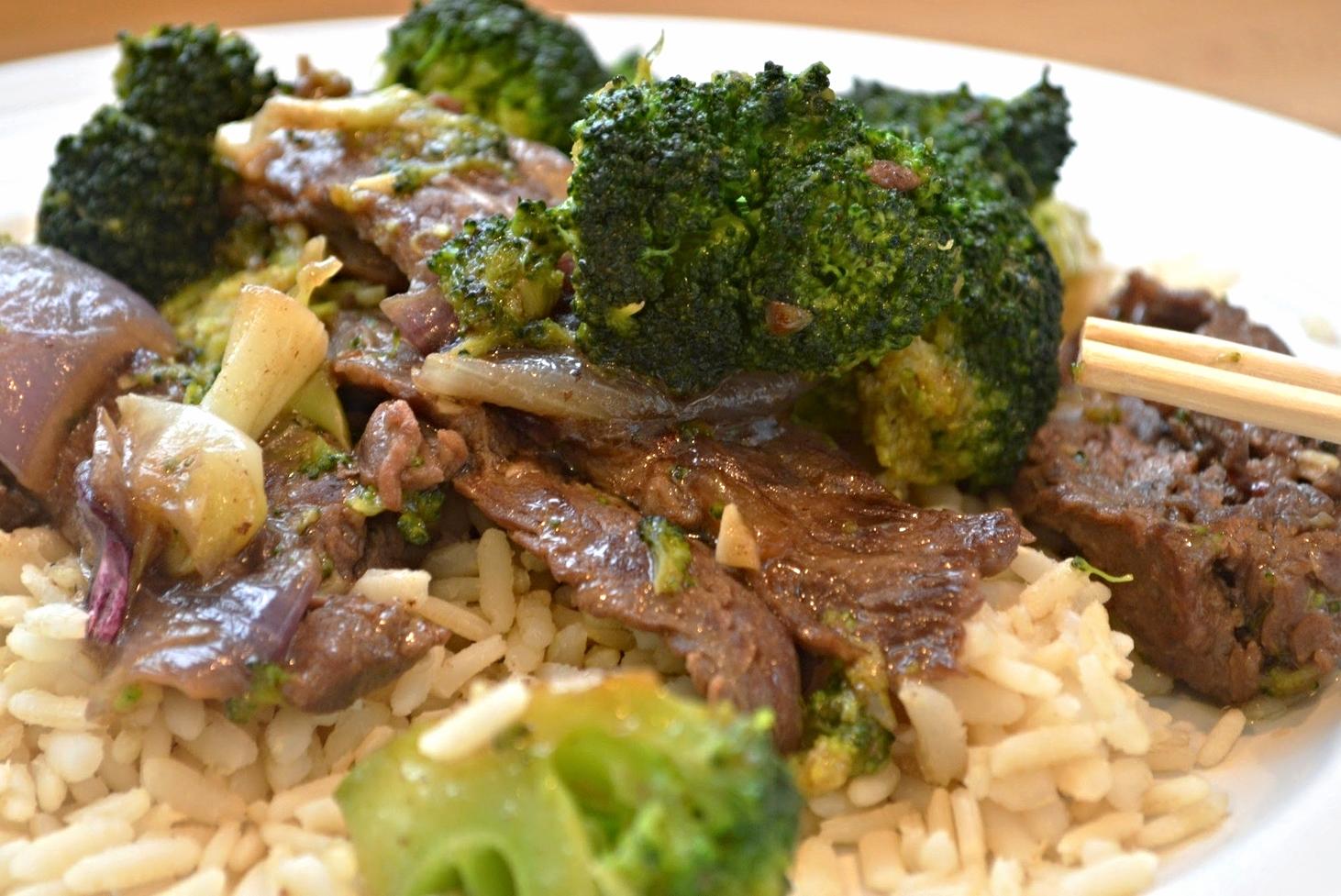 Beef with Broccoli and Garlic Sauce Stir Fry