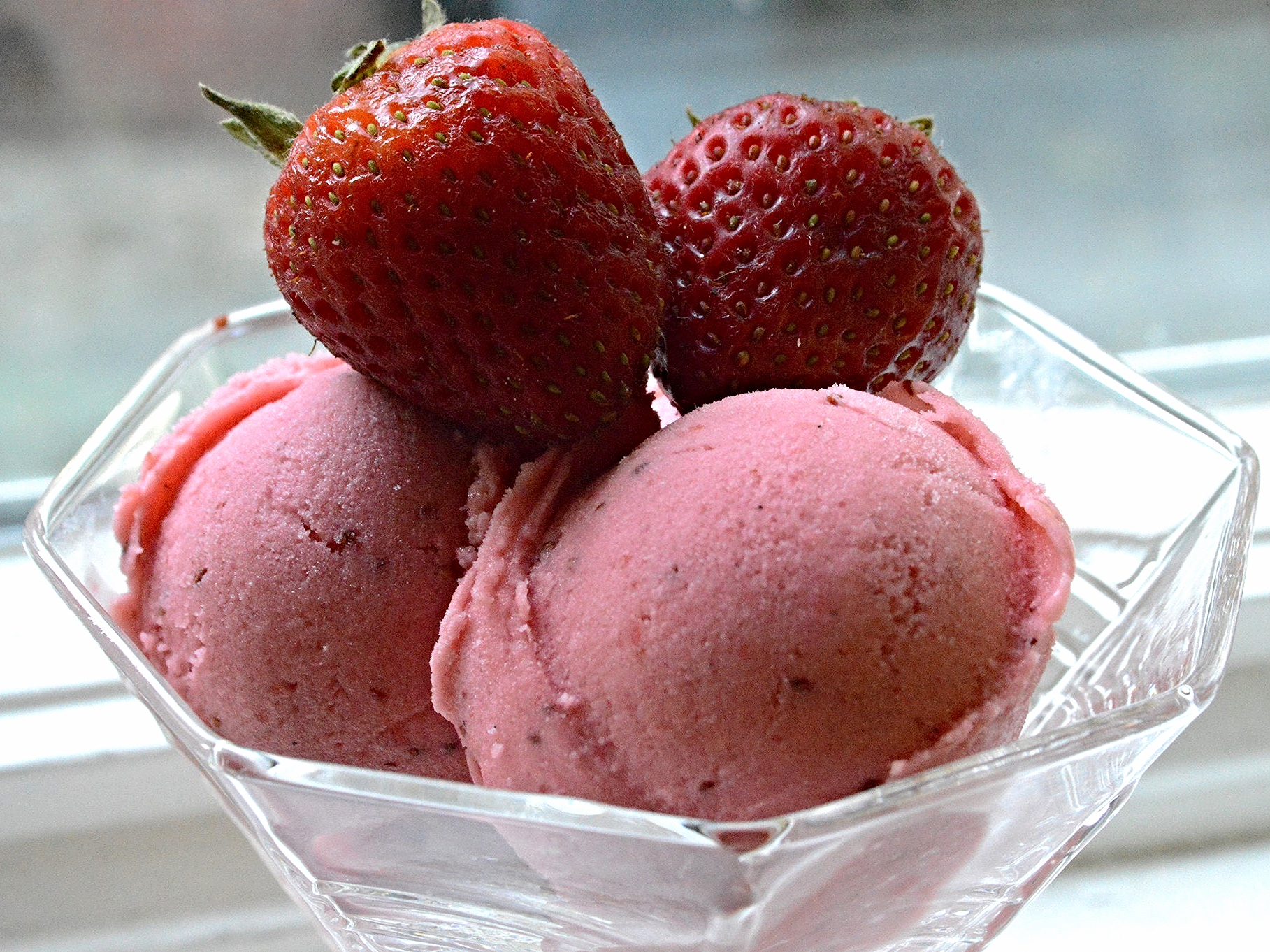 Roasted Strawberry-Buttermilk Sherbet