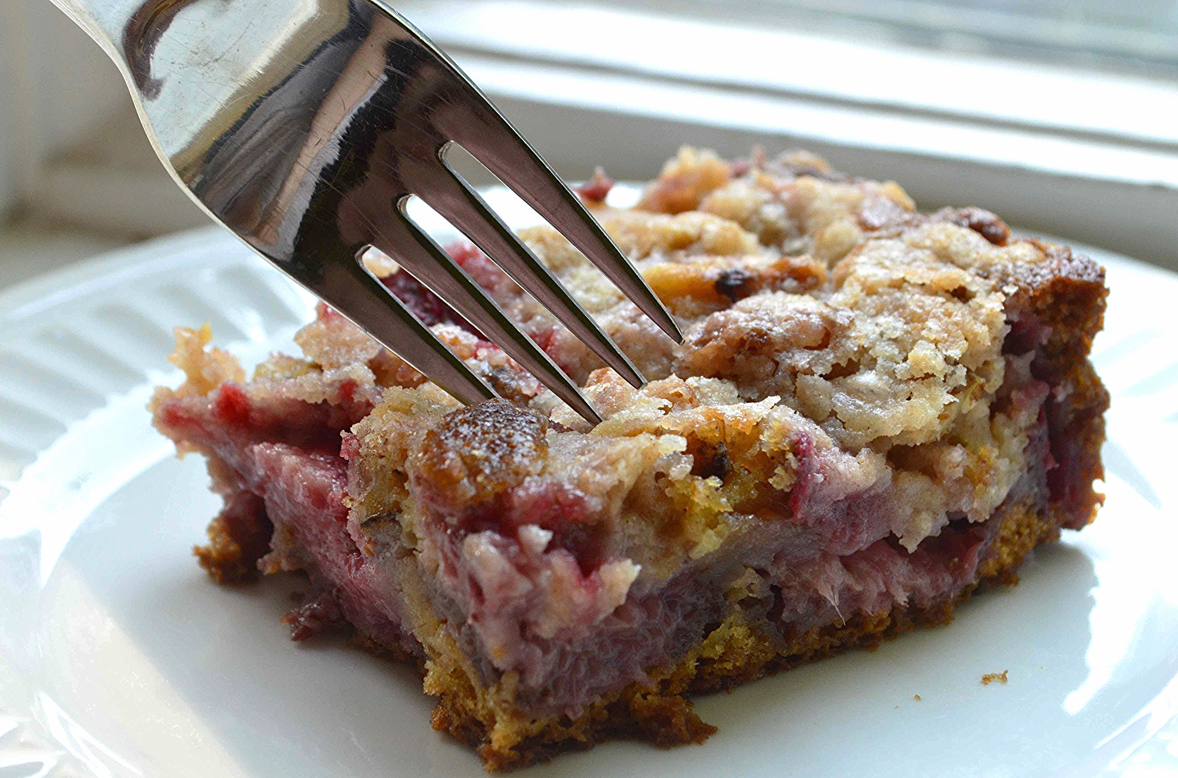 Easy Strawberry Coffee Cake