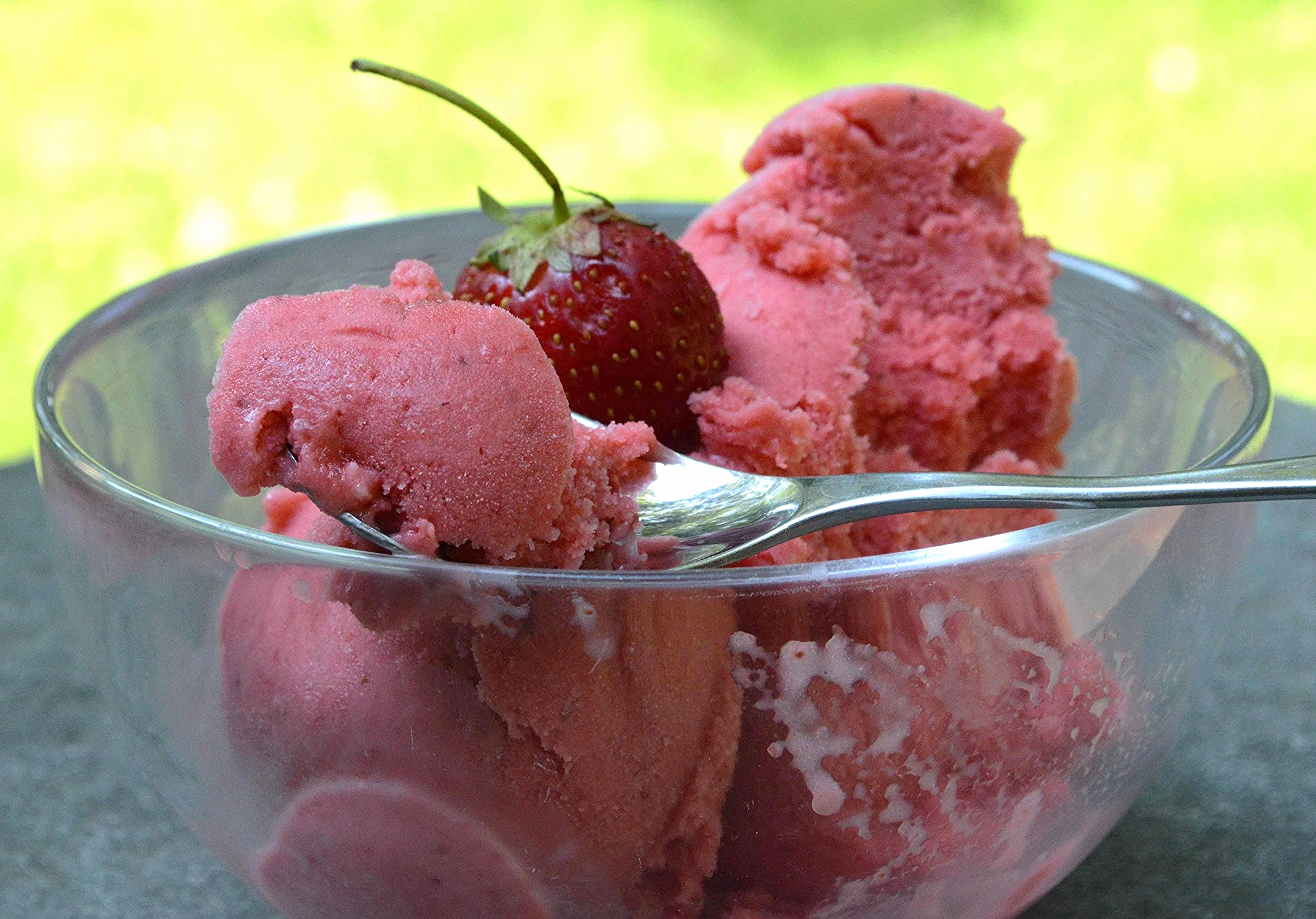 Fresh Strawberry Frozen Yogurt