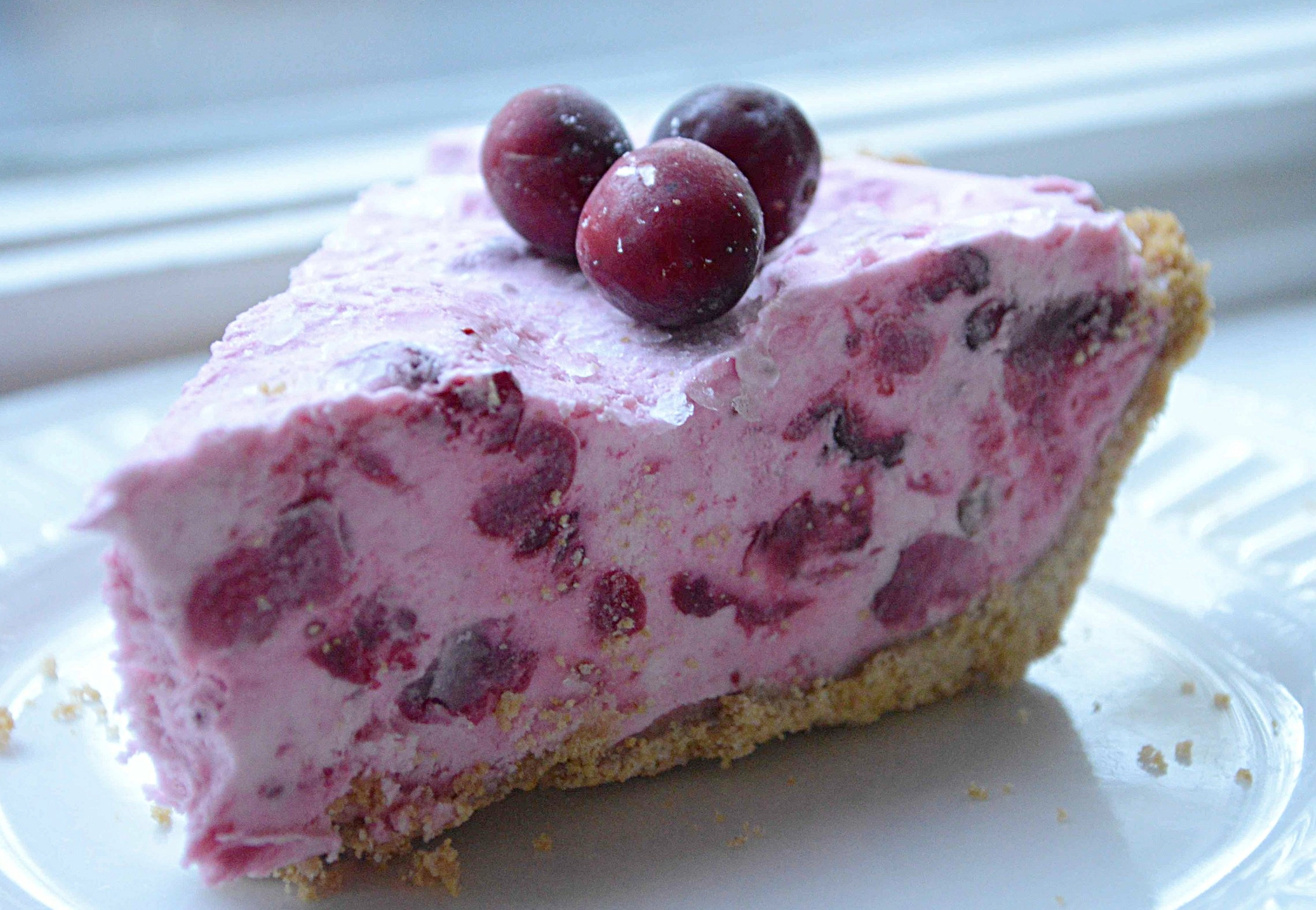 Frozen Cranberry Cream Pie