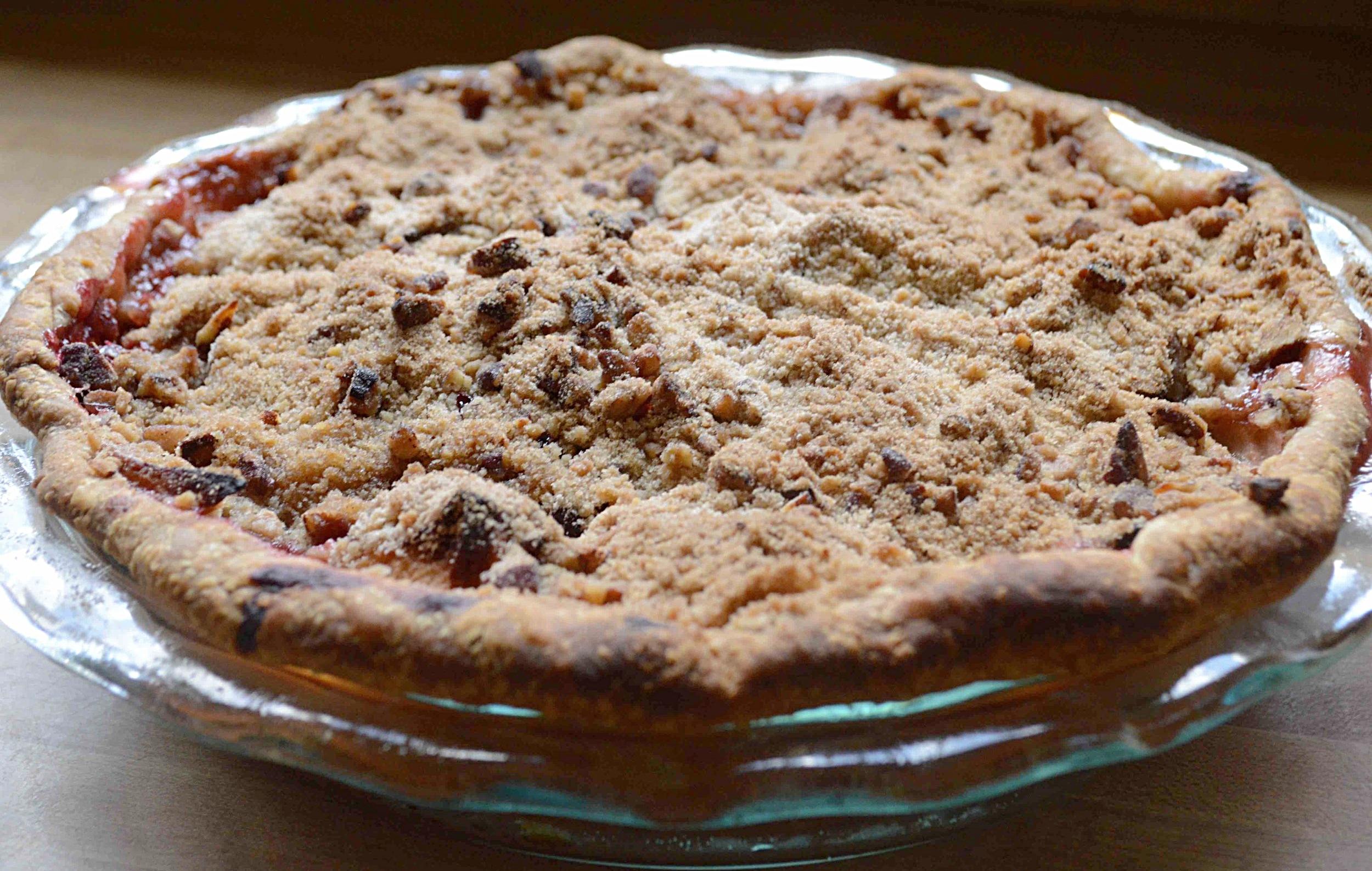 Cranberry-Apple Crumble Pie