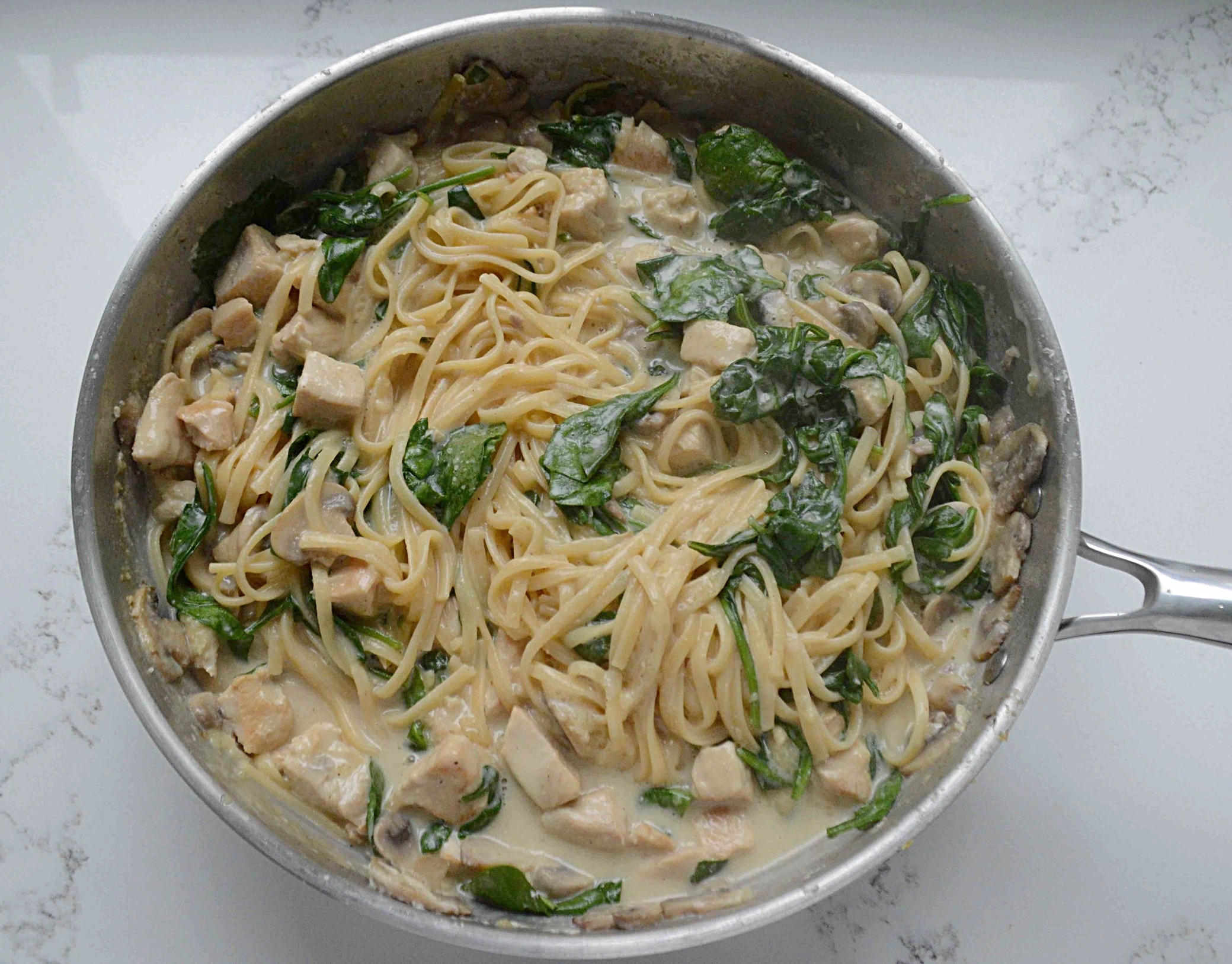 One-Skillet Chicken with Mushrooms, Spinach and Pasta