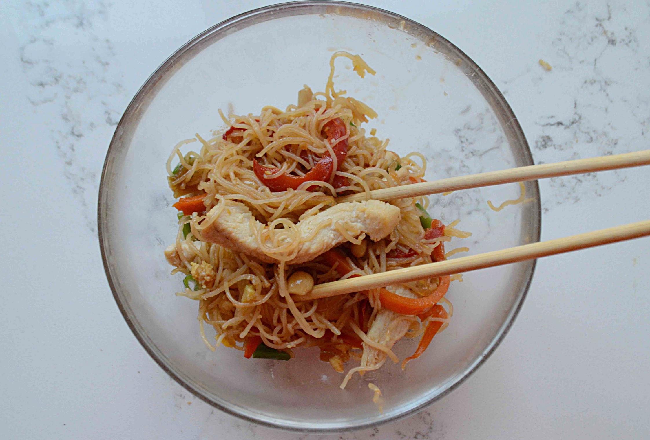 Skinny Noodle Chicken Pad Thai