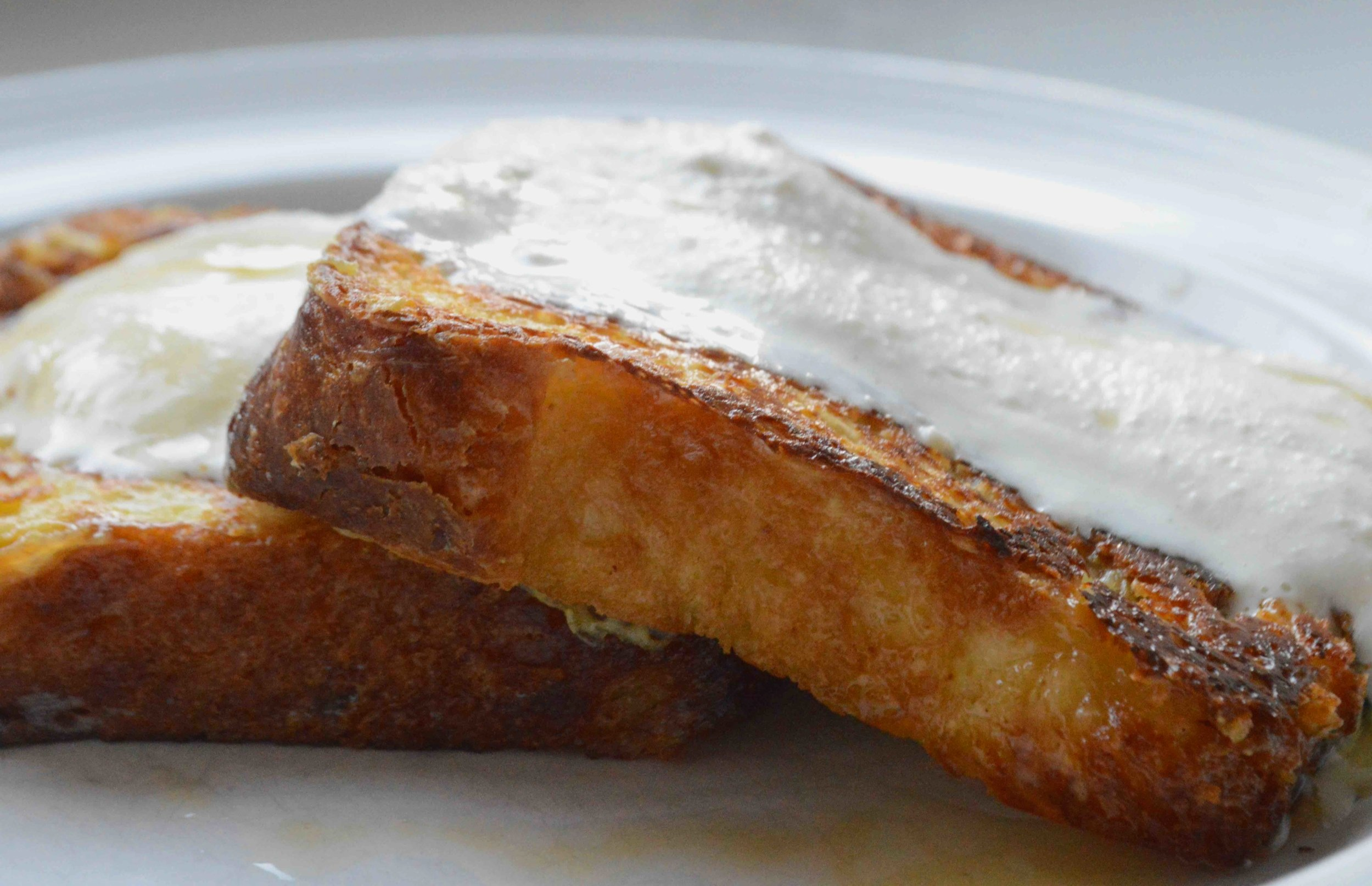 French+Toast+with+Whipped+Honey+Ricotta+Topping