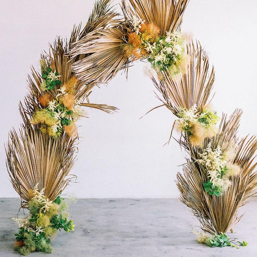 dried-palm-leaves-wedding-flowers-4.jpg