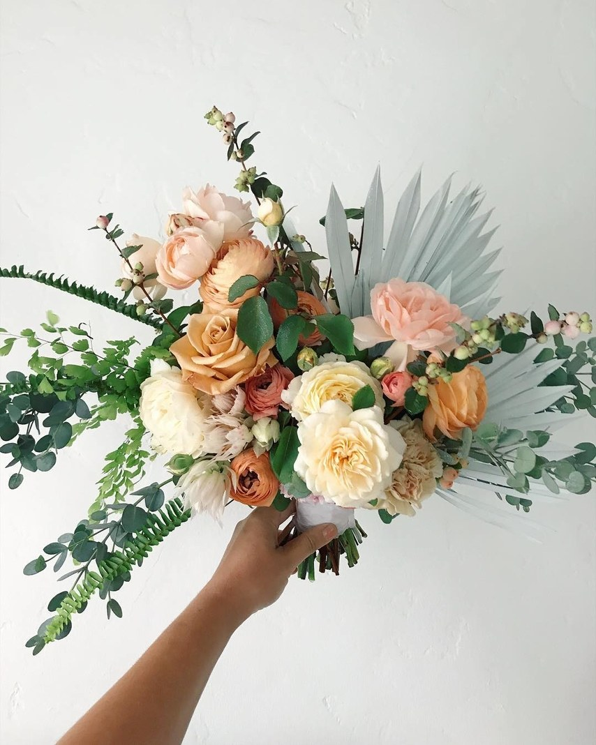 dried-palm-leaves-wedding-flowers-3.jpg