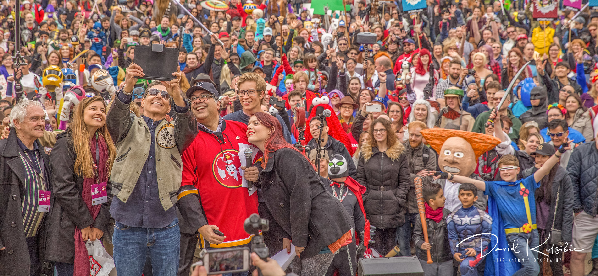 Calgary Comic Expo - Mayor Nenshi & Spawn creator Todd McFarlane