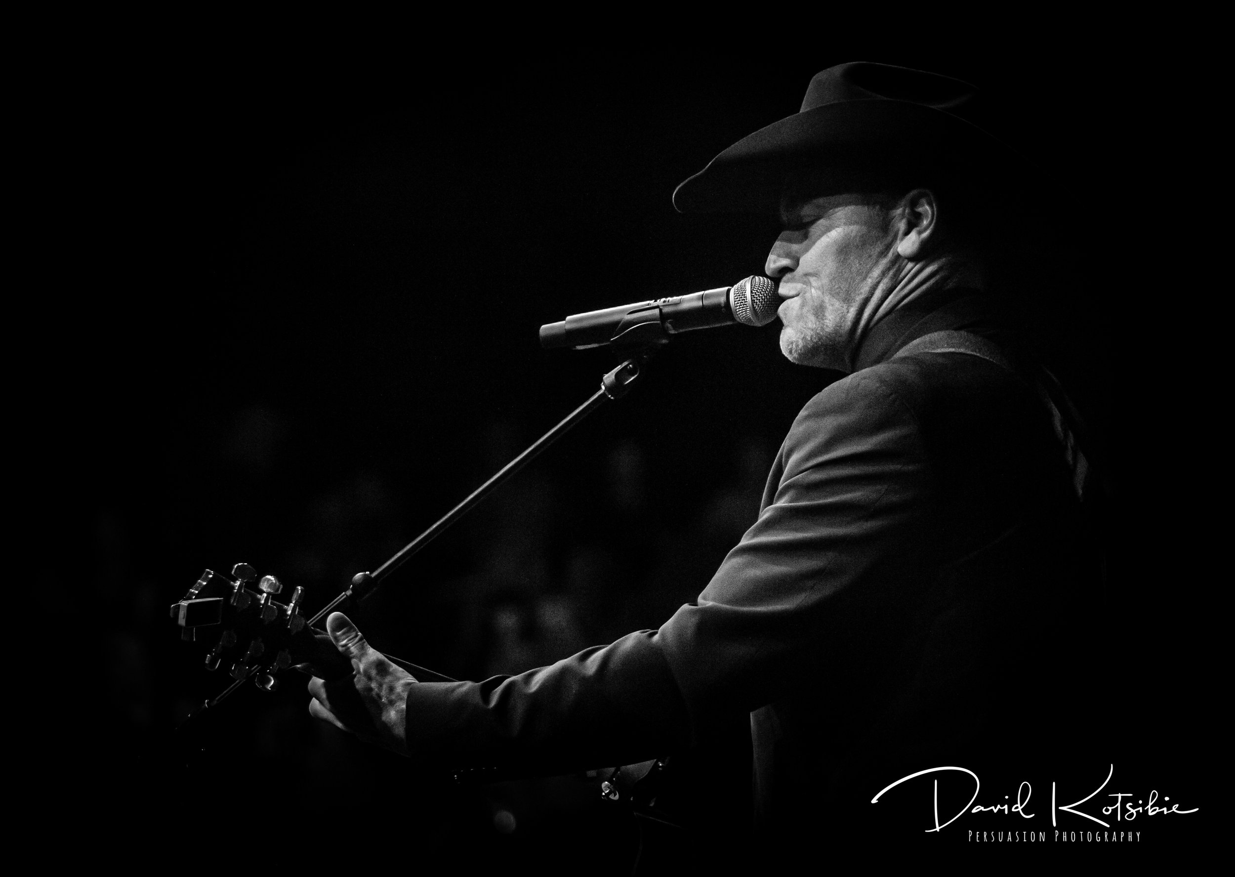 Country Superstar George Canyon