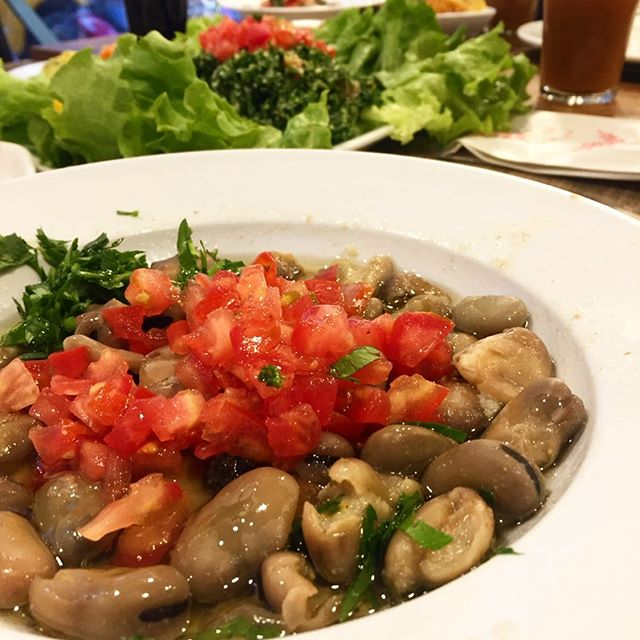 Syrian restaurant serves Iftar in Istanbul. This delicious fool (fava beans) is just one of the many many many dishes we ate tonight. #stuffed #syrianfood #iftar #ramadan #istanbul #tamarindjuice #somuchfood #sogood