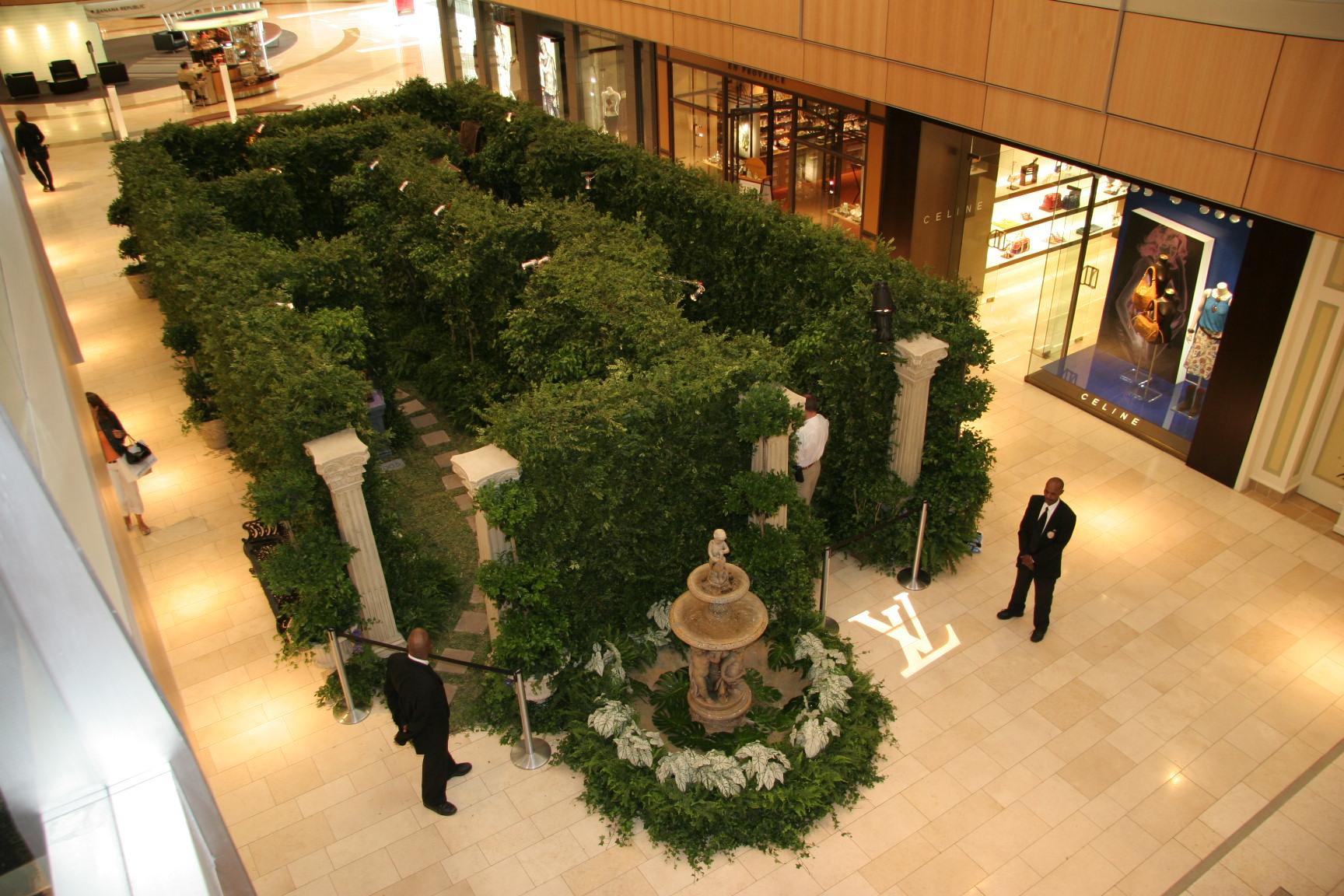 Louis Vuitton Historical Maze