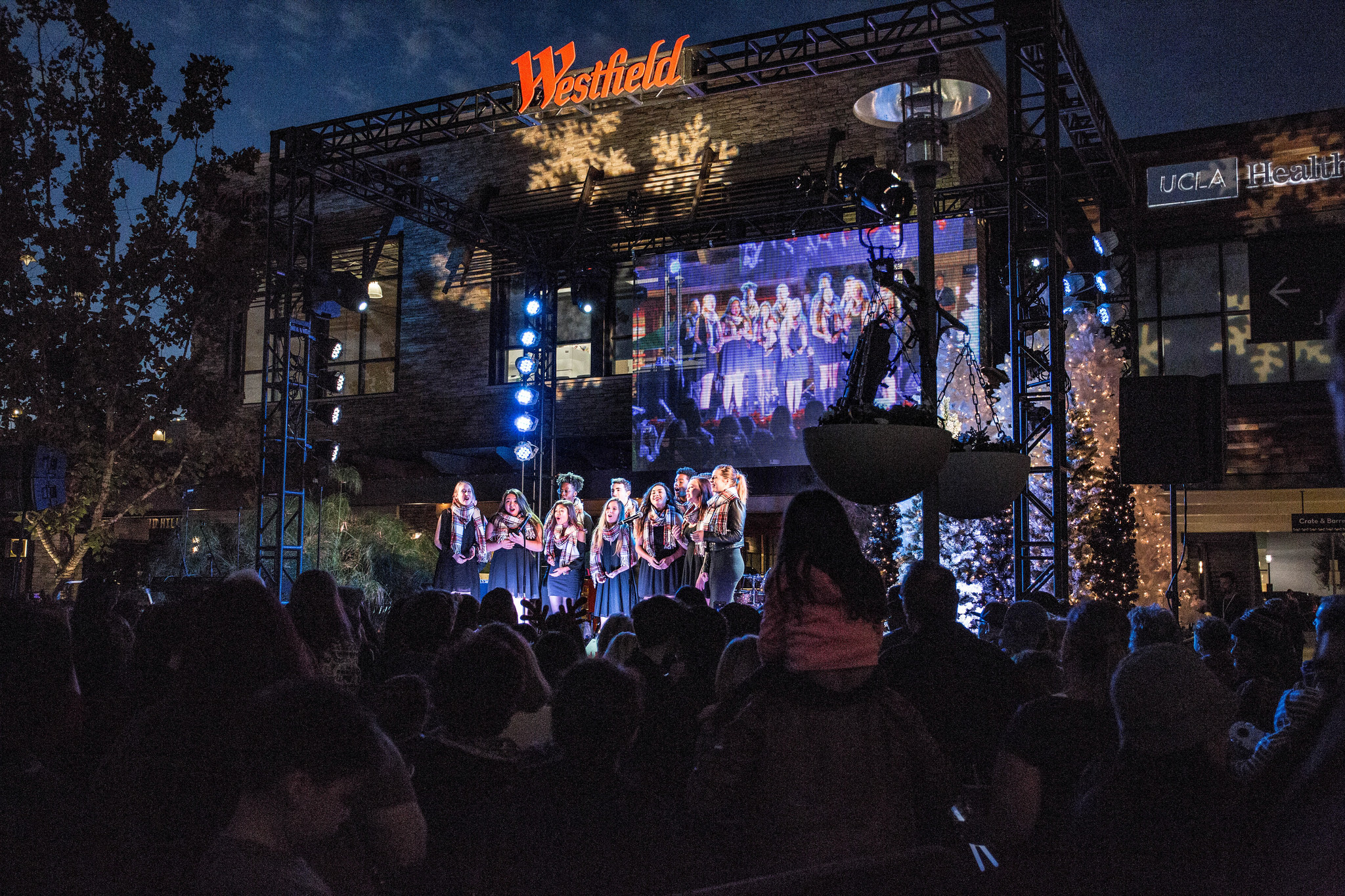 Westfield Topanga & The Village Tree Lighting Ceremony