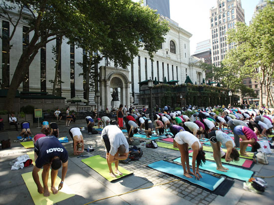 Bryant Park offers early morning yoga, pilates, and boot camp sessions, among others.