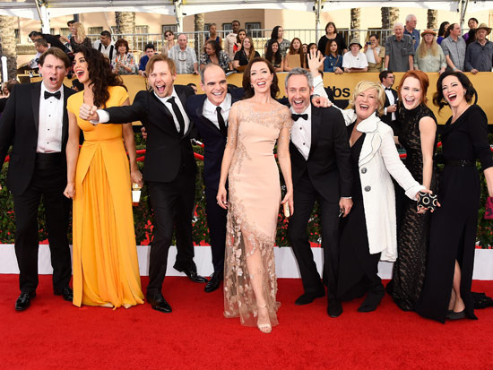 Derek Cecil, Marnò, Jimmi Simpson, Michael Kelly, Molly Parker, Michael Gill, Jayne Atkinson, Rachel Brosnahan and Joanna Going of  House of Cards  at the 21st annual Screen Actors Guild Awards.