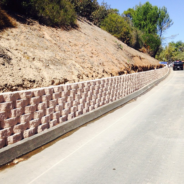 Palos Verdes Drive East and Miraleste Road Improvements