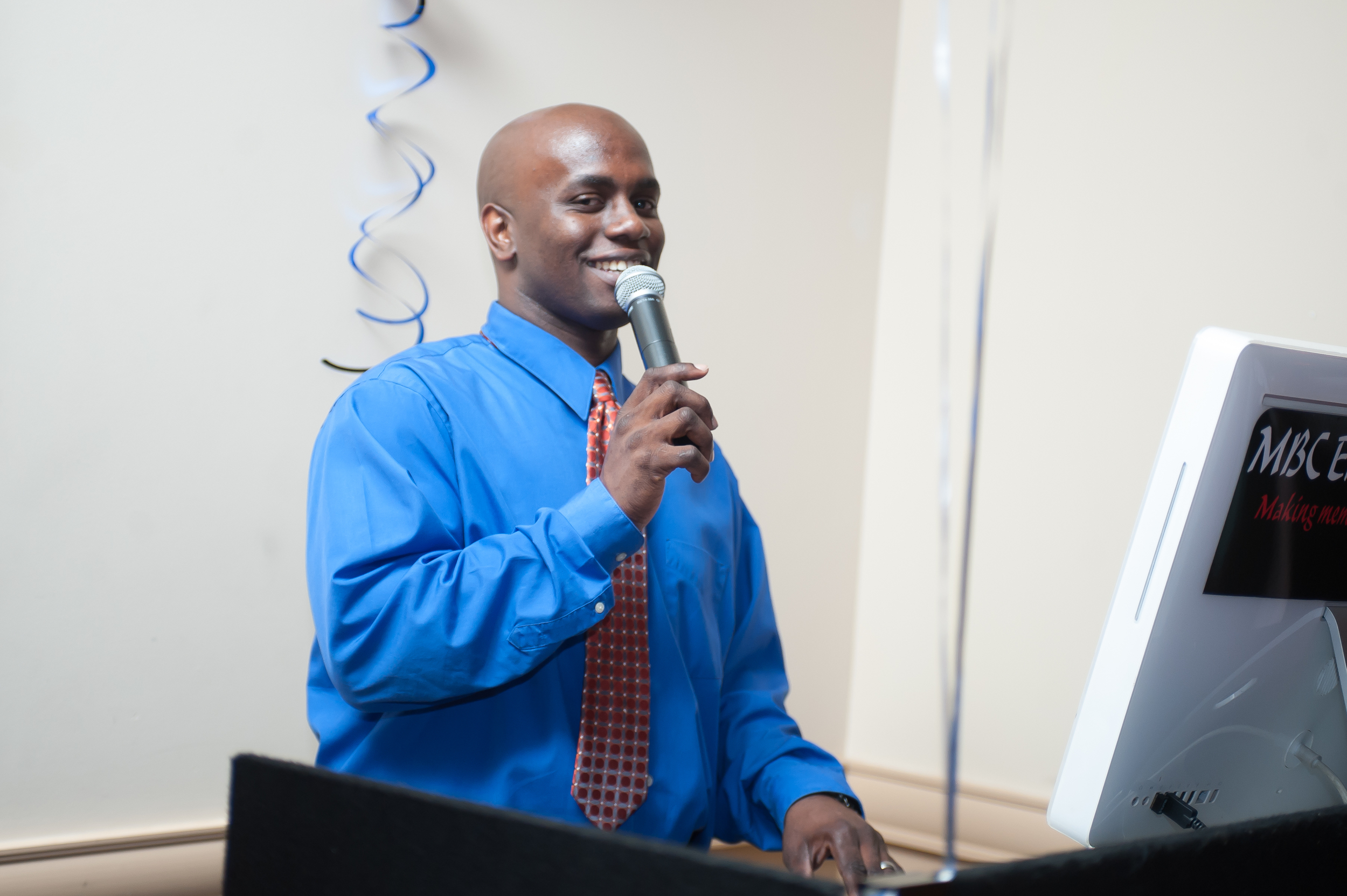 Another amazing Dj I recommend is MBC Entertainment let him know Yolanda Hill Photography sent you https://www.facebook.com/MBC.Entertainment/