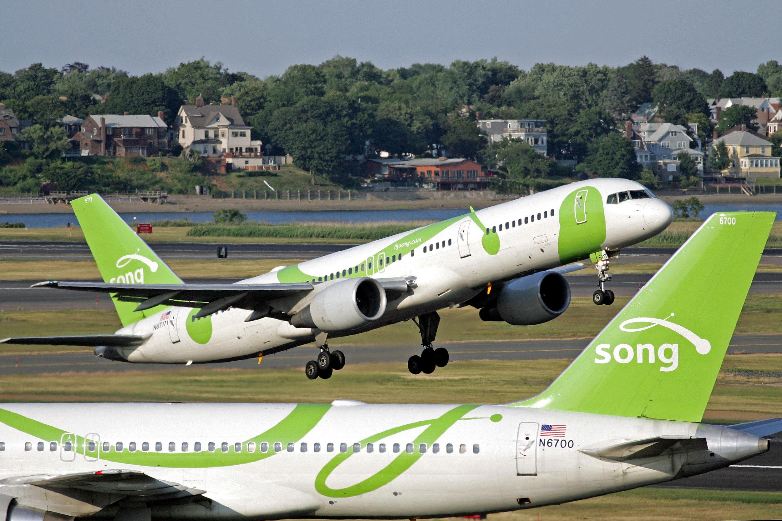 Airline_-Song-_Boeing_757.jpg