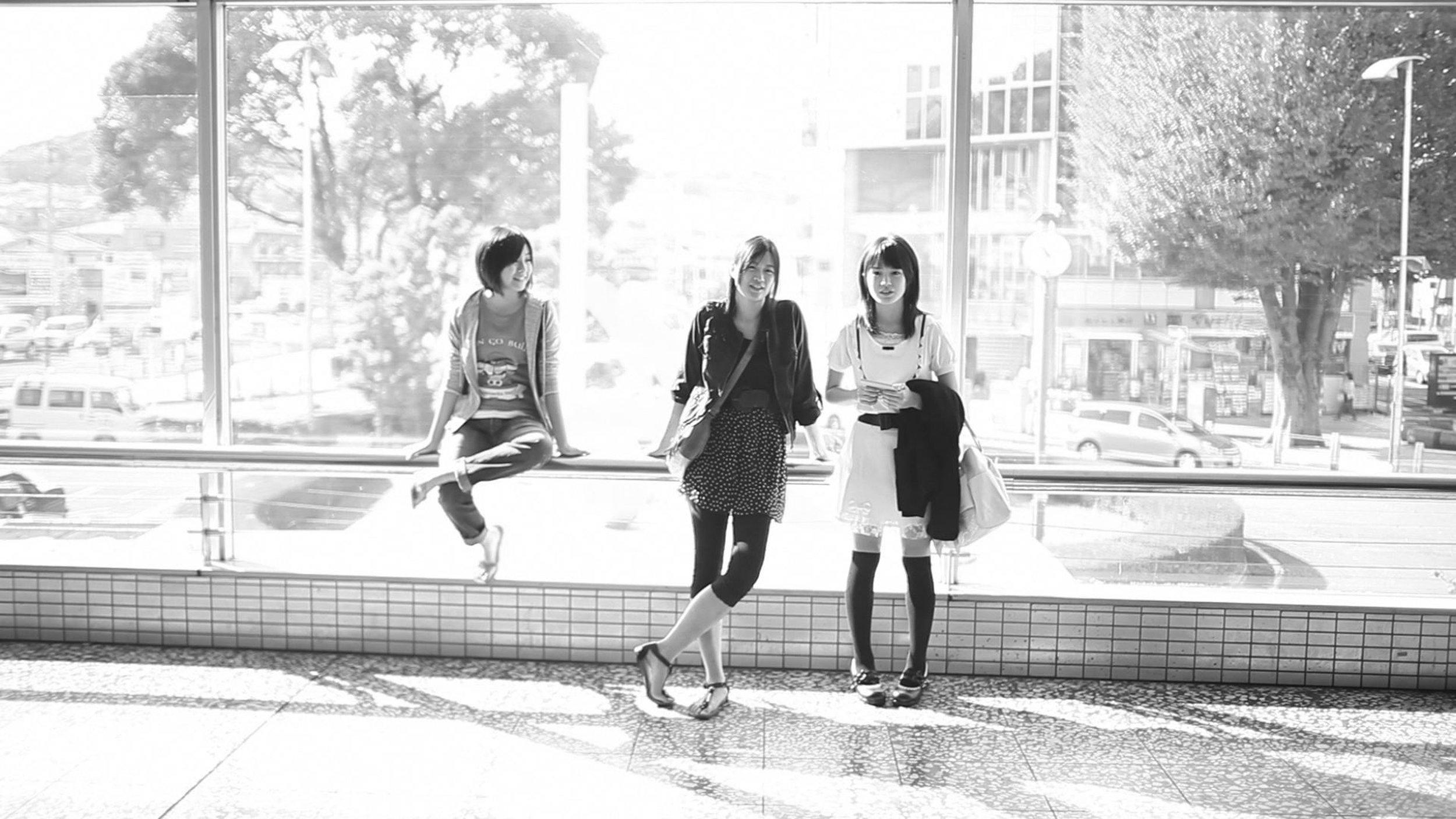 3About_the_Pink_Sky_filmstill8_AiIkeda_EnaKoshino_ReikoFujiwara_byKeiichiKobayashi copy.jpg