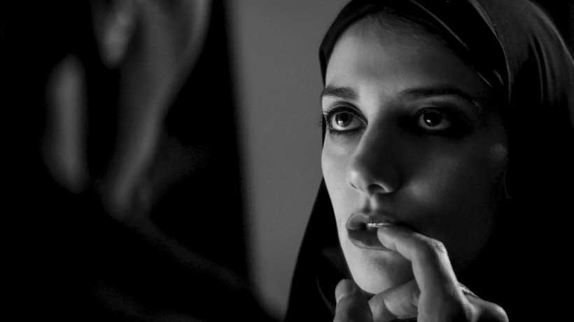 A Girl Walks Home Alone at Night , Ana Lily Amirpour (2014)