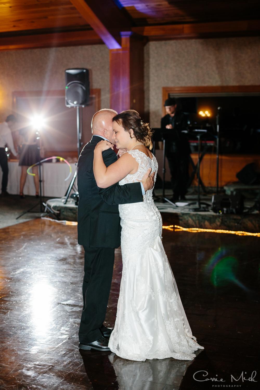 Lake Lyndsay Wedding - Portland, Oregon Photographer - Corrie Mick Photography-563.jpg