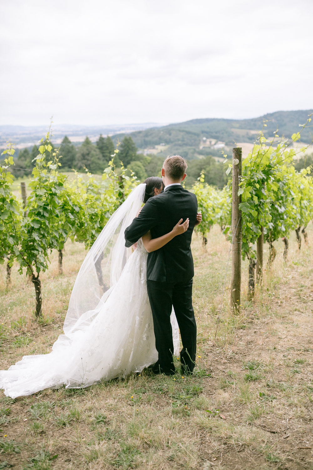 Youngberg Hill Vineyard Wedding in Wine Country Oregon - Corrie Mick Photography-40.jpg