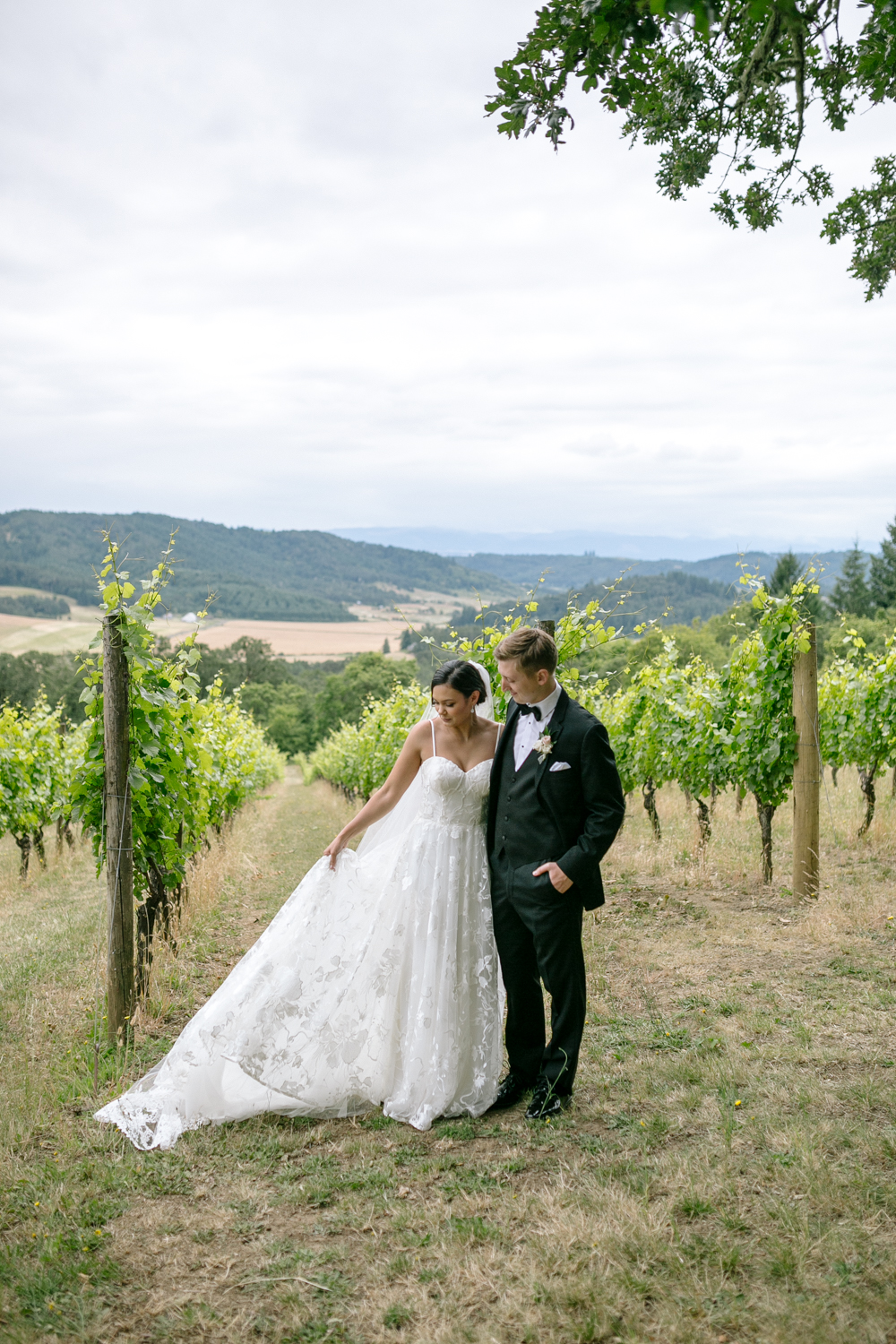 Youngberg Hill Vineyard Wedding in Wine Country Oregon - Corrie Mick Photography-45.jpg