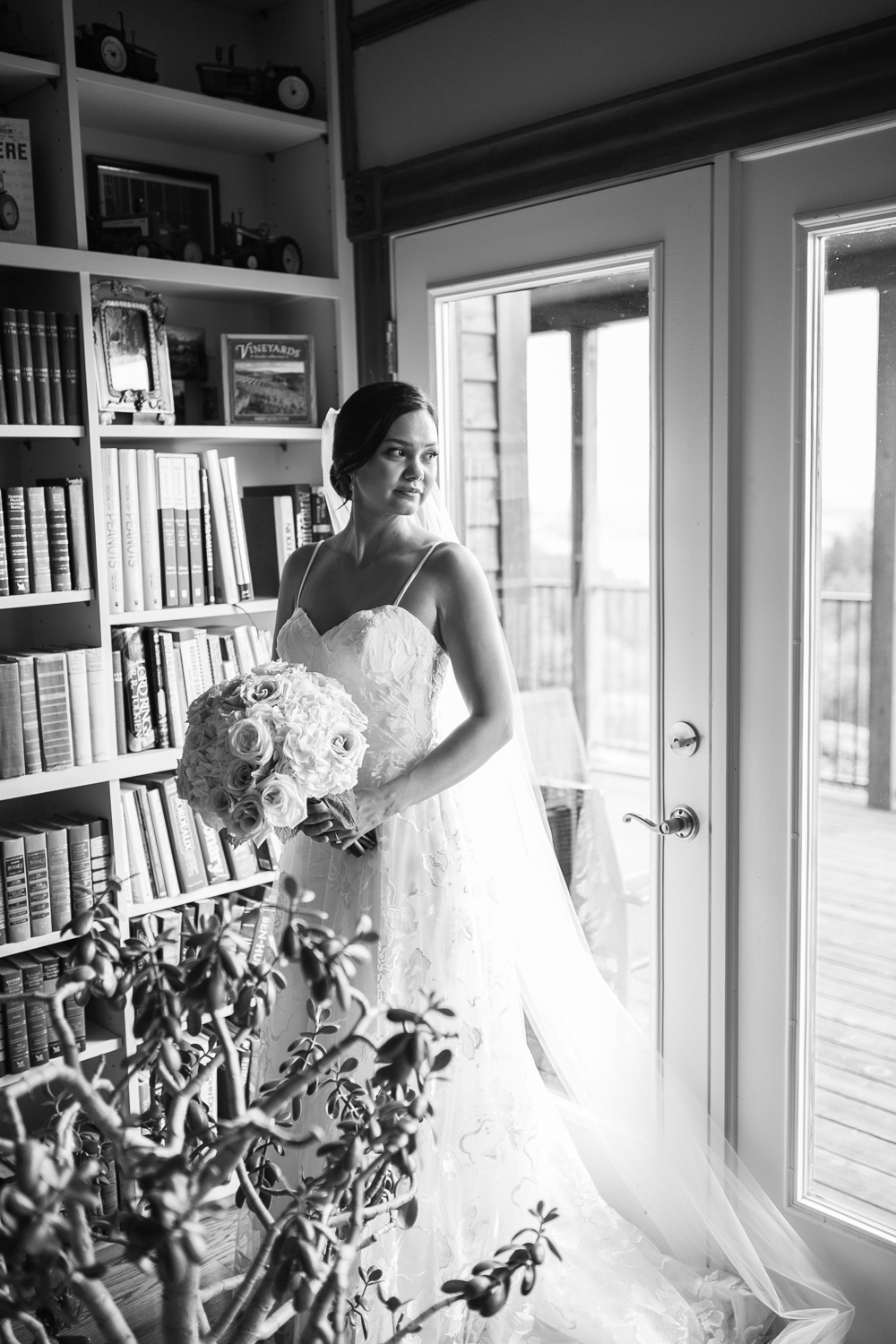 Youngberg Hill Vineyard Wedding in Wine Country Oregon - Corrie Mick Photography-160.jpg