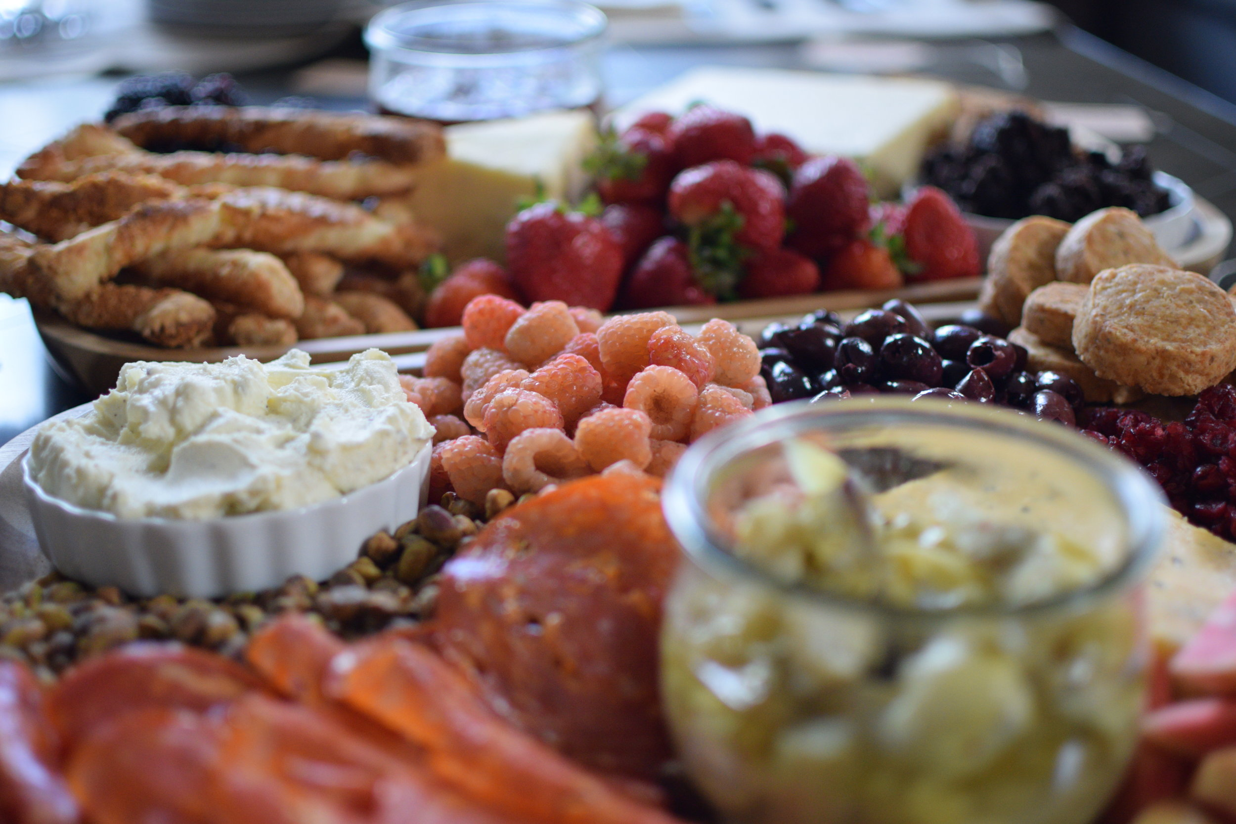 The Good Stuff | Snack and Nibble Platters + Thanksgiving + Tabletop
