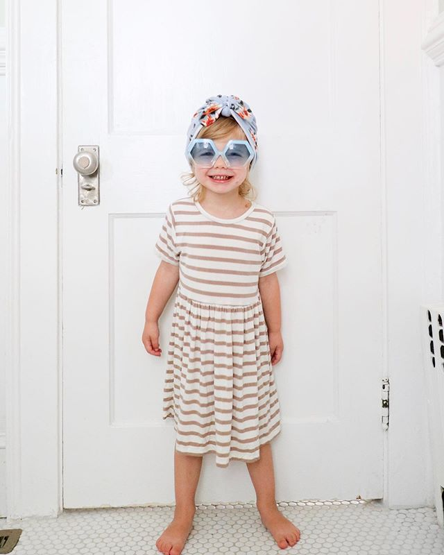 She has a huge collection of cute sunglasses. And yet every time I let her pick which ones to wear, she always picks these giant hexagon ones 😂. (dress and turban handmade by me, sunglasses from @gymboree before they closed 😔) #seepennywear #penelopeflora #pennyshandmadewardrobe #mamamade #madebymama #sewingforkids
