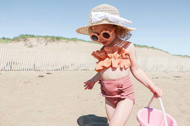Long live summer ☀️⛱ #penelopeflora #minikortnijeane #kortnijeaneswimmers