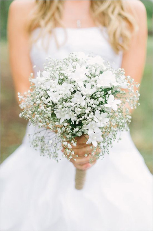 all-white-wedding-bouquets-with-babys-breath.jpg