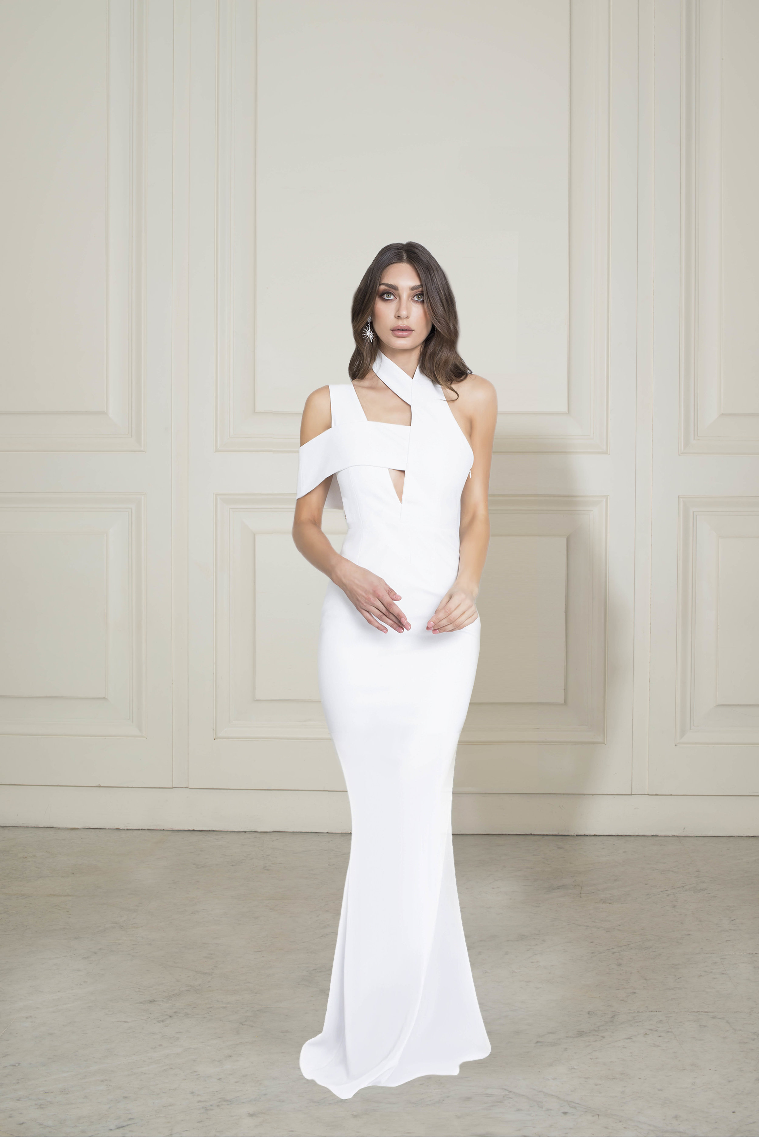 188020 WHITE FRONT_CLOSURE GOWN.jpg