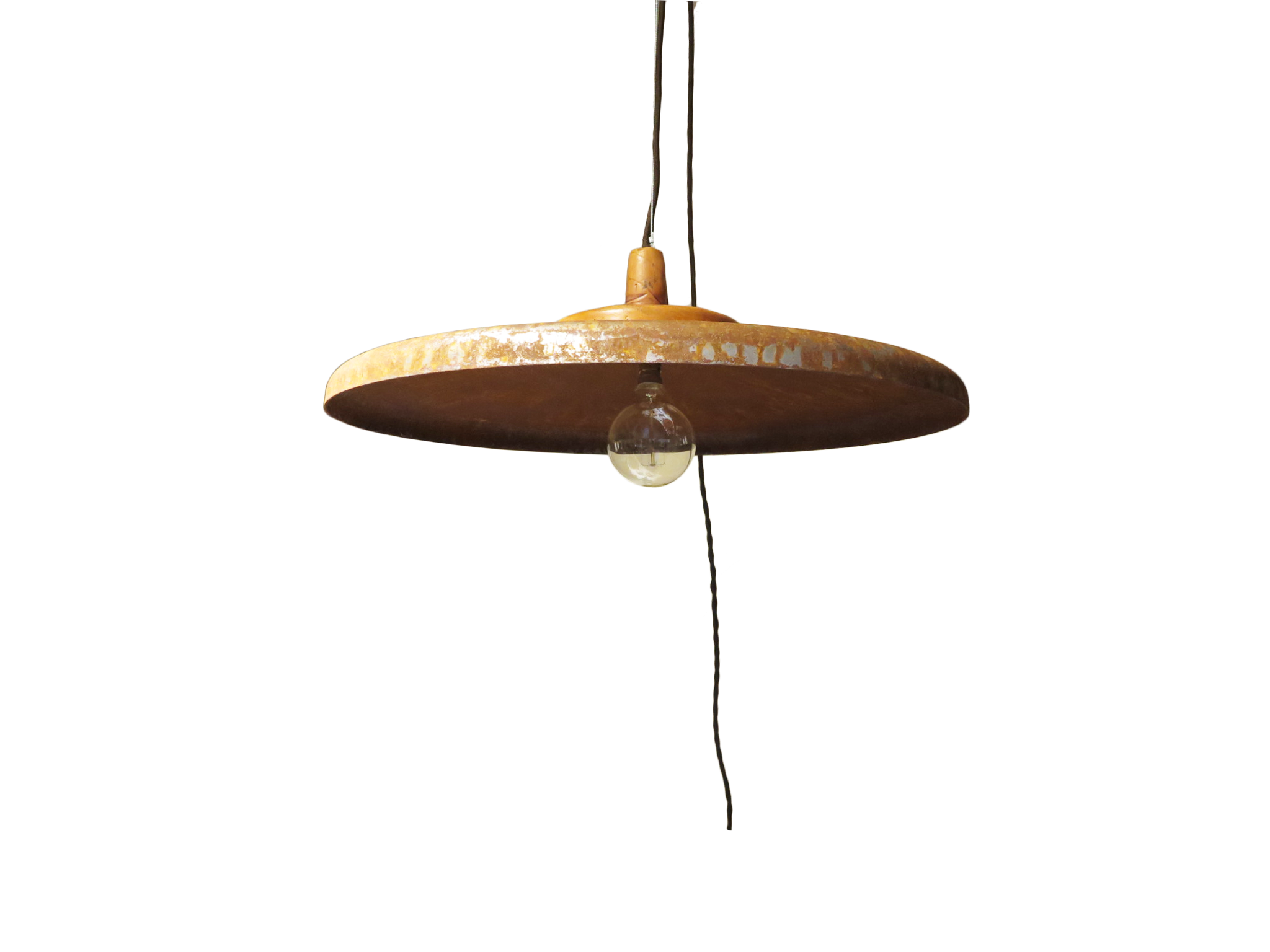 Wide rust pendant.png