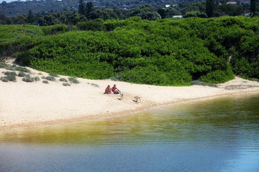 Image via  A Beach Cottage