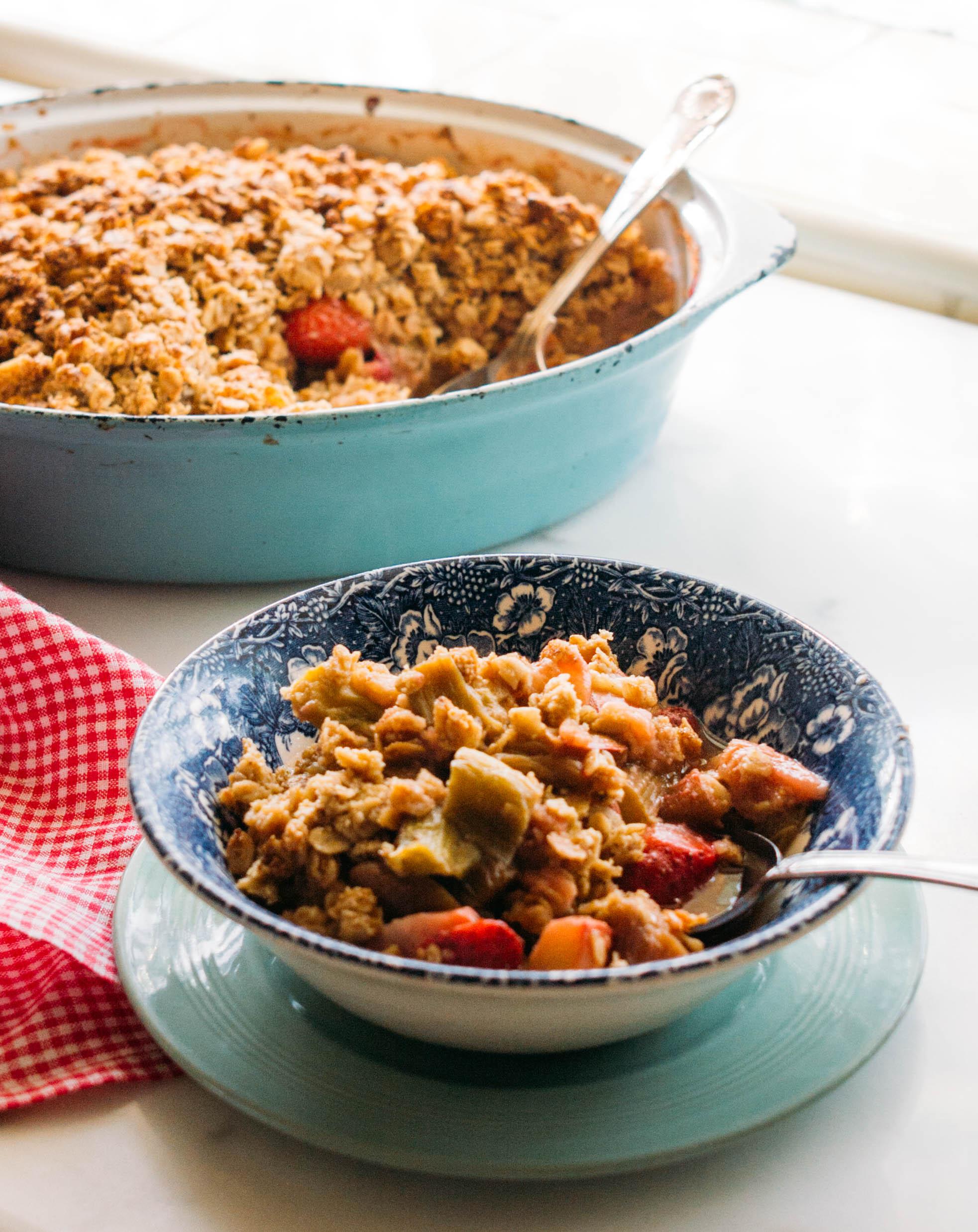rhubarb+oat+crumble