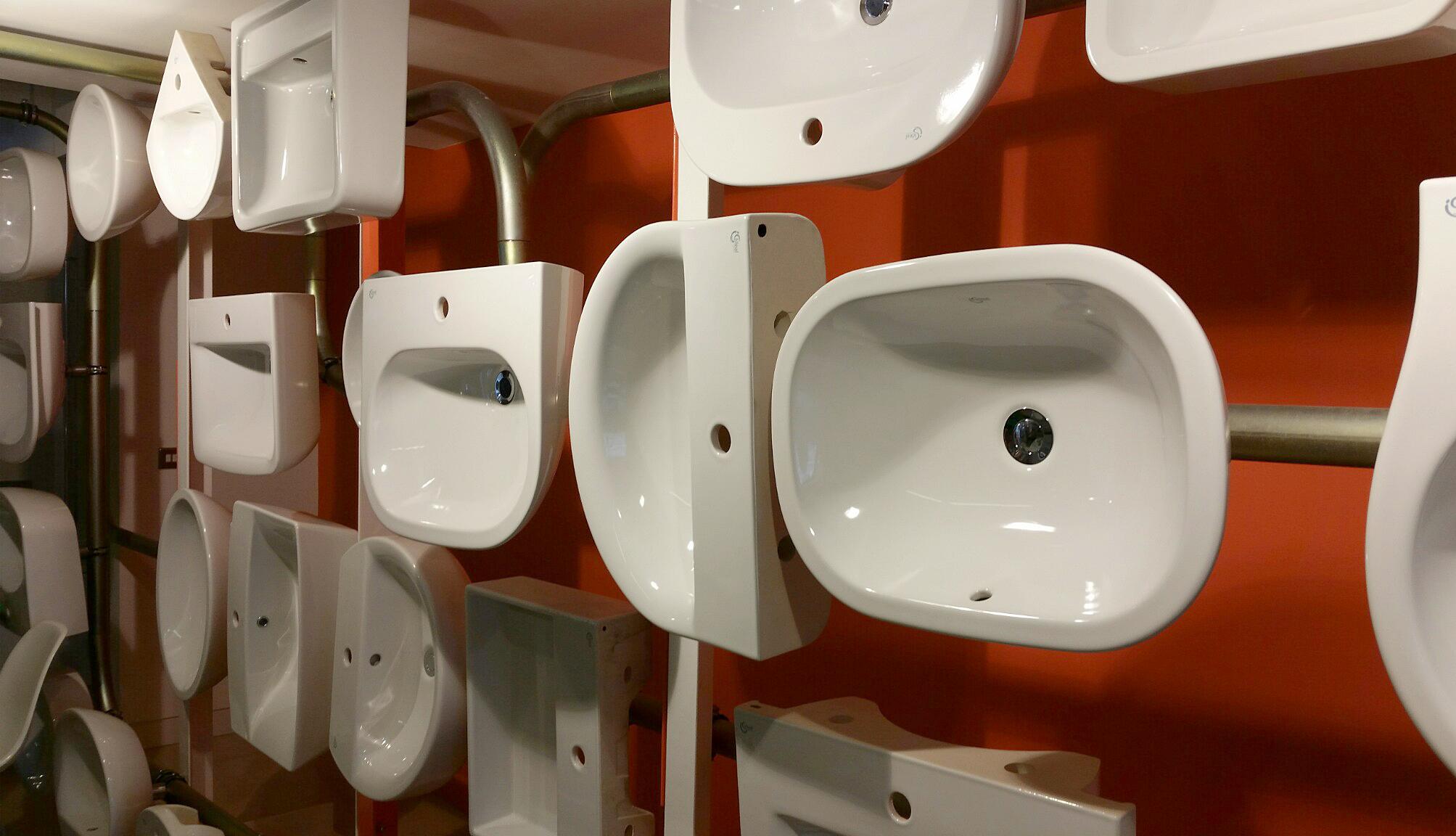 Basin display in the Bath Room.