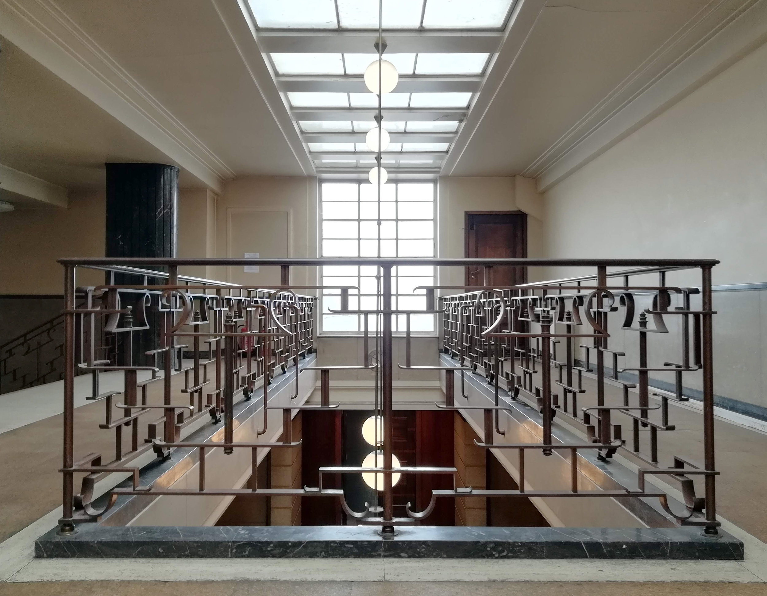Art deco balustrade in Hornsey Town Hall.