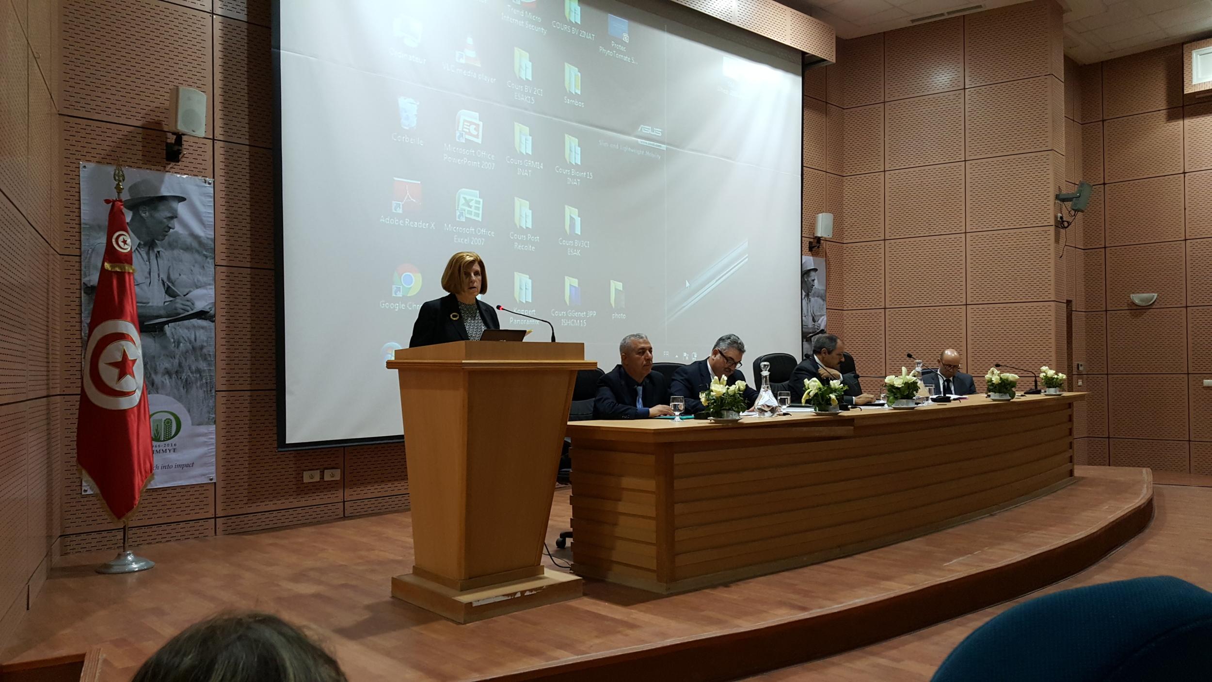 Jeanie Boralug Laube opening the workshop