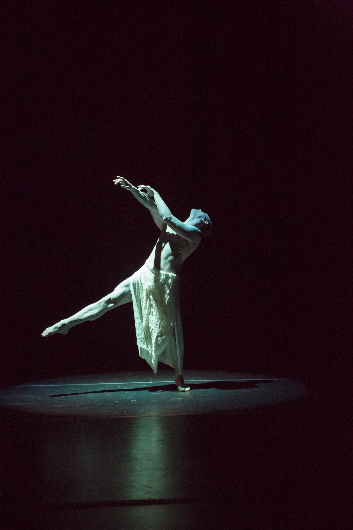 20121206_mac_dance_254.jpg