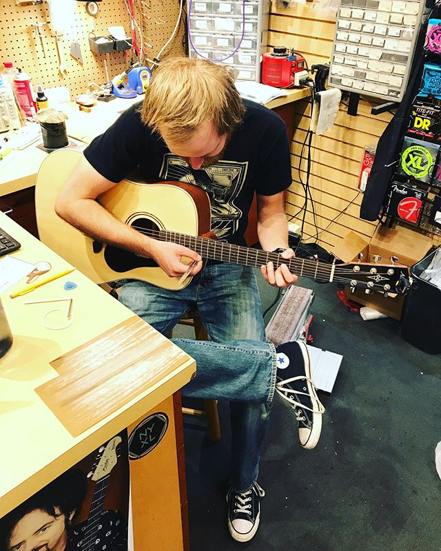 New Alvarez guitars just arrived! After the guitars are unboxed, Ben does a set up on each guitar to make sure they get his approval to be hung on the wall.  This includes checking the frets, adjusting the truss rod and lowering the action so the strings are closer to the fretboard making the guitar easier to play and sounding great! 👍🎸👀
